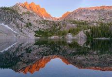 Quatrième lac bench photos stock