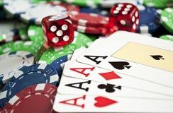 Quatro ás de um tipo em microplaquetas do casino Fotografia de Stock Royalty Free