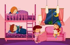 Quatro crianças no quarto com bunkbed Foto de Stock Royalty Free