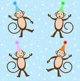 Quatro macacos engraçados em chapéus festivos ilustração royalty free