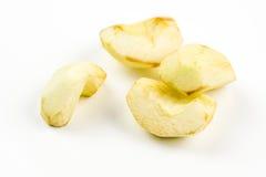 Quatro partes de maçã cortada não tão fresca Imagens de Stock Royalty Free