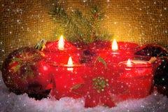 Quatro velas do advento Imagem de Stock