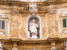Quattro Canti, или аркада Villena, в Палермо с красивыми украшениями стоковые фото