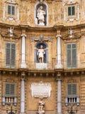 Quattro Canti, или аркада Villena, в Палермо с красивыми украшениями стоковое фото