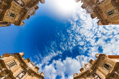 Quattro Canti fyrkant i Palermo, Italien Arkivfoton