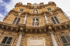 Quattro Canti, Piazza Vigliena, est à angle droit baroque à Palerme, Sicile image libre de droits