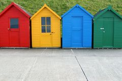 Quattro capanne della spiaggia immagine stock libera da diritti