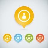 Quattro colorfully puntatori della mappa con quattro icone di base Fotografie Stock