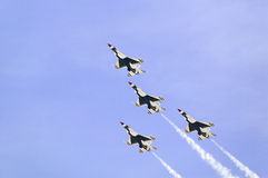 Quattro Falcons di combattimento dell'aeronautica di Stati Uniti F-16C, Immagine Stock