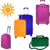 Quattro grandi valigie e sacchetti di corsa Immagine Stock