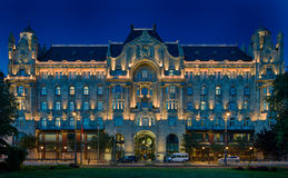 QUATTRO PALAZZO BUDAPEST DELL'HOTEL GRESHAM DI STAGIONI Immagini Stock Libere da Diritti