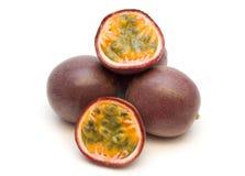 Quattro passionfruits freschi Fotografie Stock Libere da Diritti