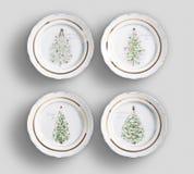 Quattro piatti di cena floreali dell'annata con fondo bianco immagine stock