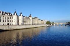 Quay Рекы Сена в Париже Стоковые Фотографии RF