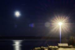 Quay dans la scène de nuit de St Paul de baie Photos stock