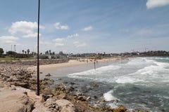 Quay de Tel Aviv durante la resaca Imagenes de archivo