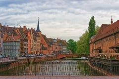Quay del río enfermo en Estrasburgo en Francia Fotos de archivo