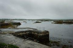 Quay y barcos cerca de Camus Eighter Imagen de archivo libre de regalías