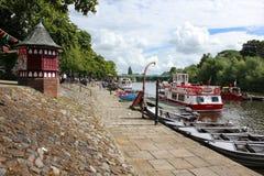 Quayside van Dee van de rivier. Chester. Engeland stock foto