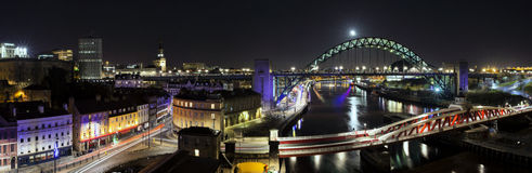 Quayside van Newcastle Nacht Royalty-vrije Stock Foto's