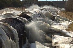 Que derrete o gelo esculturas no avô cai represa Imagens de Stock Royalty Free
