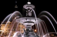 Fontaine de Tourny vid natt i Quebec City, Kanada. Arkivfoton