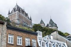 Quebec City Kanada 13 09 2017 lägre gammal stad Basse-Ville och Chateau Frontenac i bakgrund Royaltyfria Bilder