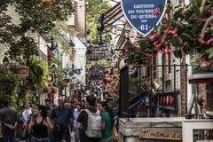 Quebec City Kanada 13 09 2017 personer i lägre stad gamla Quebec, en av de turist- dragningarna är en UNESCOarvplats Fotografering för Bildbyråer