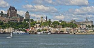 Quebec City som sett från Levis fotografering för bildbyråer