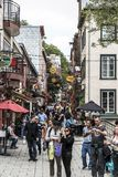 Quebec miasto Kanada 13 09 2017 ludzi w Niskim Grodzkim Starym Quebec, Jeden atrakcje turystyczne są UNESCO dziedzictwa miejscem Fotografia Royalty Free