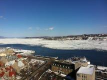 Quebec miasto Marznąca rzeka Zdjęcie Royalty Free