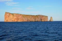 Quebec, roca de Perce en Gaspesie Imagenes de archivo