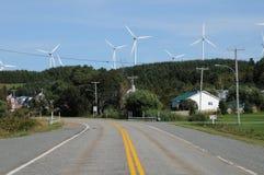 Quebec, wiatrowy generator w nakrętki gadce w Gaspesie Zdjęcia Stock
