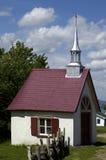 Quebeque, uma capela pequena na ilha de Orleans fotos de stock royalty free