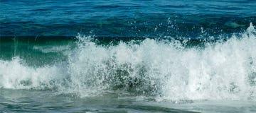 Quebra da onda Fotografia de Stock