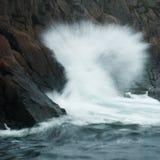 Quebra das ondas Fotografia de Stock Royalty Free