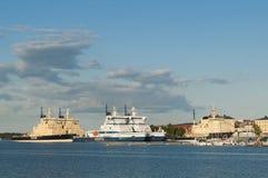 Quebra-gelo amarrados em Helsínquia Fotos de Stock Royalty Free