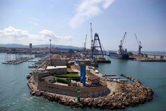 Quebra-mar na porta de Livorno fotografia de stock