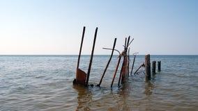 Quebra-mar, o mar Báltico foto de stock royalty free