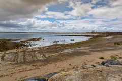 Quebrado海滩在Peniche,葡萄牙 免版税图库摄影