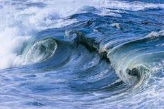 Quebrando ondas de oceano Imagem de Stock Royalty Free