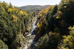 Quechee峡谷在佛蒙特秋天 库存照片