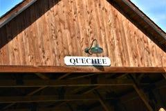 Quechee Behandelde Brug, Quechee-Dorp, Stad van Hartford, Windsor County, Vermont, Verenigde Staten stock afbeelding