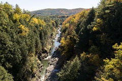 Quechee klyfta i den Vermont hösten Arkivfoto