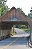 Quechee täckte bron, den Quechee byn, stad av Hartford, Windsor County, Vermont, Förenta staterna arkivfoto