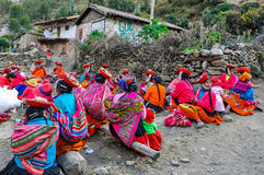 Quechua women working in a village in the Andes, Ollantaytambo, Royalty Free Stock Photos