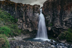 Queda da água de Magnificient, Nova Zelândia Fotografia de Stock Royalty Free