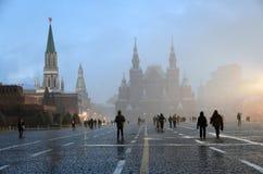 Queda de neve extrema no quadrado vermelho em Moscou foto de stock royalty free