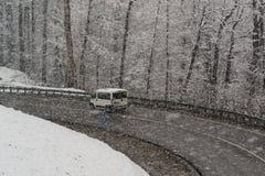 Queda de neve nas montanhas de Krasnaya Polyana Fotos de Stock