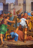 Queda de Viena - de Jesus sob a cruz. De uma parte da maneira transversal. do centavo 19. na igreja gótico Maria am Gestade Foto de Stock Royalty Free